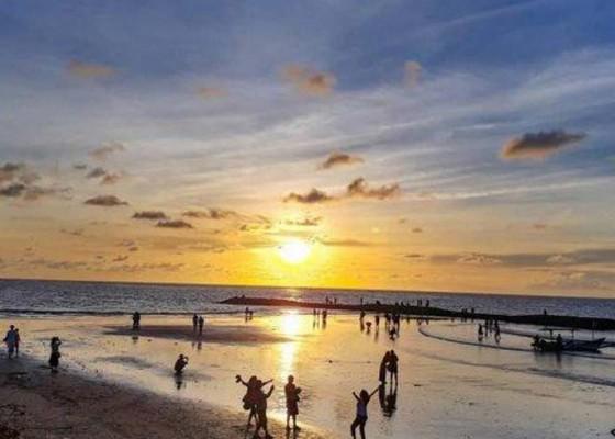 Nusabali.com - desa-adat-akan-tata-ulang-pedagang-di-pantai-kuta