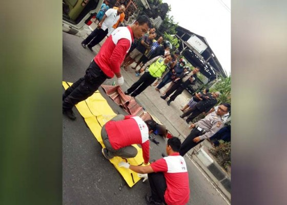 Nusabali.com - vario-vs-truk-pemotor-tewas