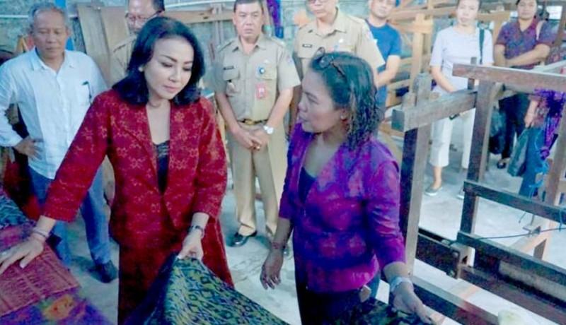 www.nusabali.com-denpasar-gairahkan-penenun-endek