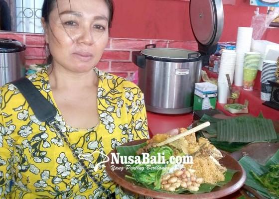 Nusabali.com - stand-nasi-sela-favorit-di-pkb