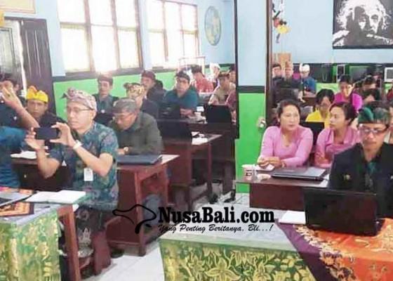 Nusabali.com - revisi-kurikulum-2013-selipkan-literasi-dan-karakter