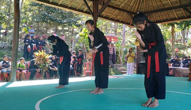 www.nusabali.com-sesandan-haritage-genjot-yoga-bali-kuno