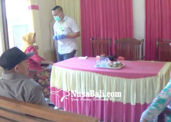 Nusabali.com - jelang-pemberangkatan-ratusan-calon-jemaah-haji-divaksin