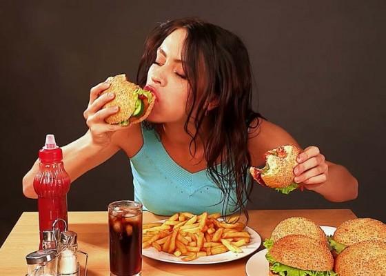 Nusabali.com - kesehatan-makan-3-kali-atau-makan-lebih-sering