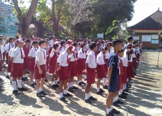 Nusabali.com - mpls-murid-baru-dibekali-wawasan-kebangsaan-oleh-tni