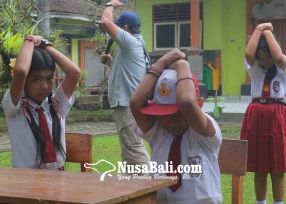 Nusabali.com - sosialisasi-mitigasi-bencana-bpbd-dompleng-kkn