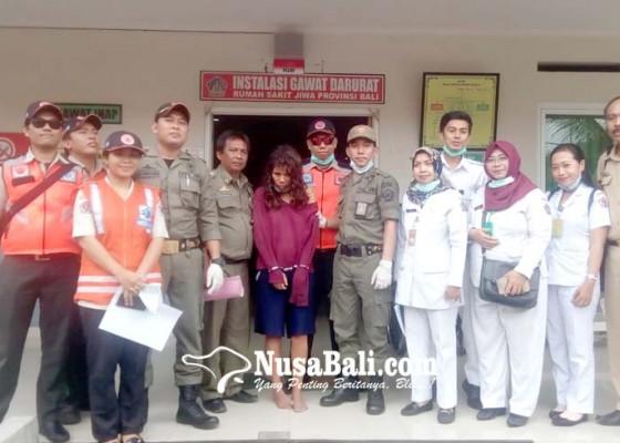 Nusabali.com - rusak-ruang-tahanan-satpol-pp-odgj-kabur-jebol-plafon-kamar-mandi