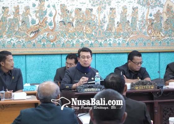 Nusabali.com - dprd-soroti-kerusakan-jalan-di-nusa-penida