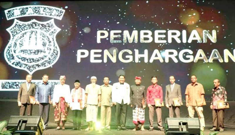 www.nusabali.com-pemkab-badung-terima-piagam-penghargaan-dari-kapolda-bali