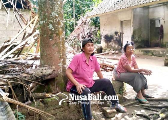 Nusabali.com - diguncang-gempa-rumah-jro-made-taman-tambah-rusak