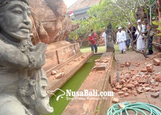 Nusabali.com - piasan-pura-agung-lokanatha-roboh