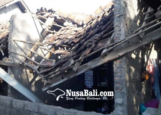 Nusabali.com - gempa-rusak-dua-rumah-warga