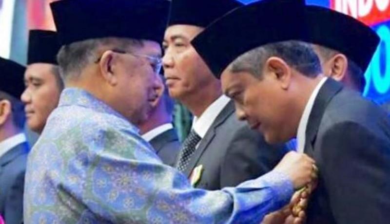 www.nusabali.com-keren-wali-kota-denpasar-ib-mantra-dapat-penghargaan-satyalencana