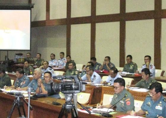 Nusabali.com - anggota-pansus-ingin-tni-ikut-tangani-teroris