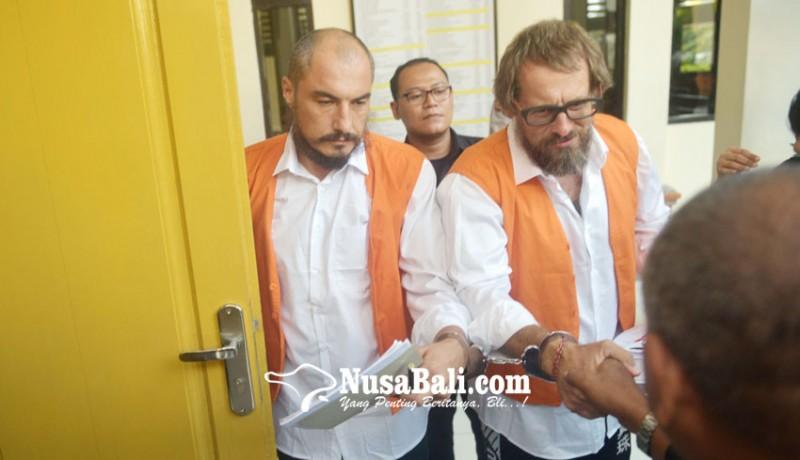 www.nusabali.com-disidang-dua-perampok-asal-rusia-melawan
