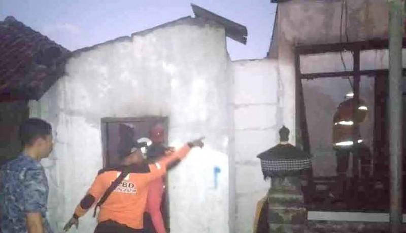 www.nusabali.com-rumah-warga-di-tulamben-ludes-terbakar