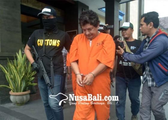 Nusabali.com - kokain-dengan-berat-hampir-1-kg-ditelan-dalam-perut