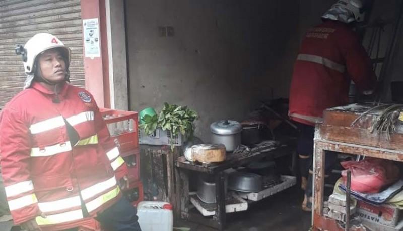 www.nusabali.com-warung-nasi-di-carangsari-terbakar