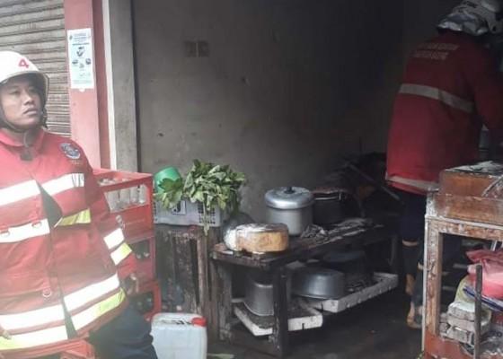 Nusabali.com - warung-nasi-di-carangsari-terbakar