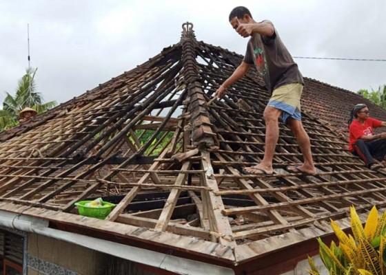 Nusabali.com - rumah-warga-di-pejukutan-terbakar