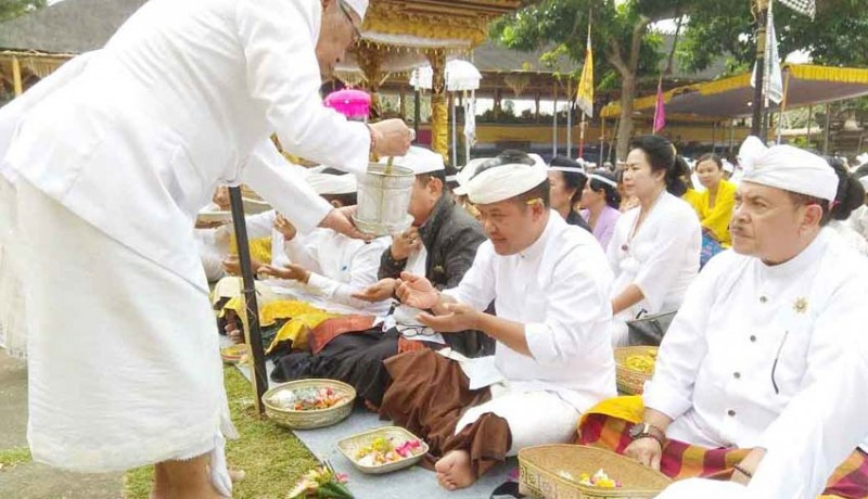 www.nusabali.com-pemkab-bangli-ngaturang-bhakti-panganyar-di-pura-mandara-giri-semeru