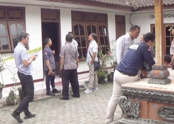 Nusabali.com - tim-labfor-polda-bali-geledah-dapur-pedagang-nasi