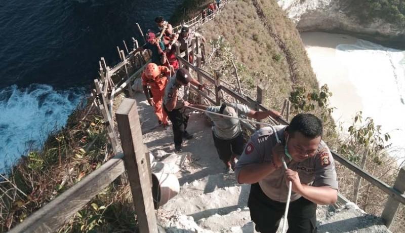 www.nusabali.com-turis-vietnam-tewas-digulung-ombak-di-nusa-penida