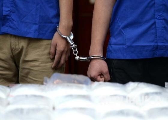 Nusabali.com - demi-rp-5-juta-tki-ilegal-nekat-bawa-8-kg-shabu
