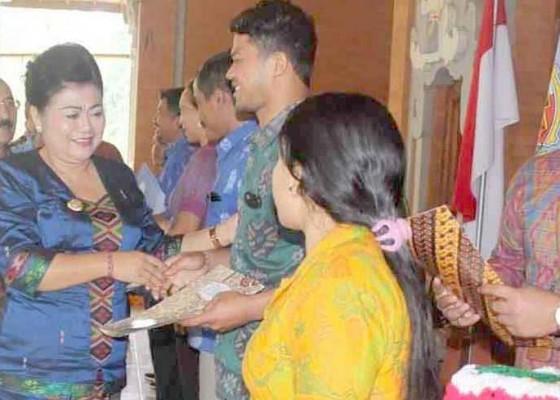 Nusabali.com - bupati-kaget-terima-laporan-117-koperasi-non-aktif