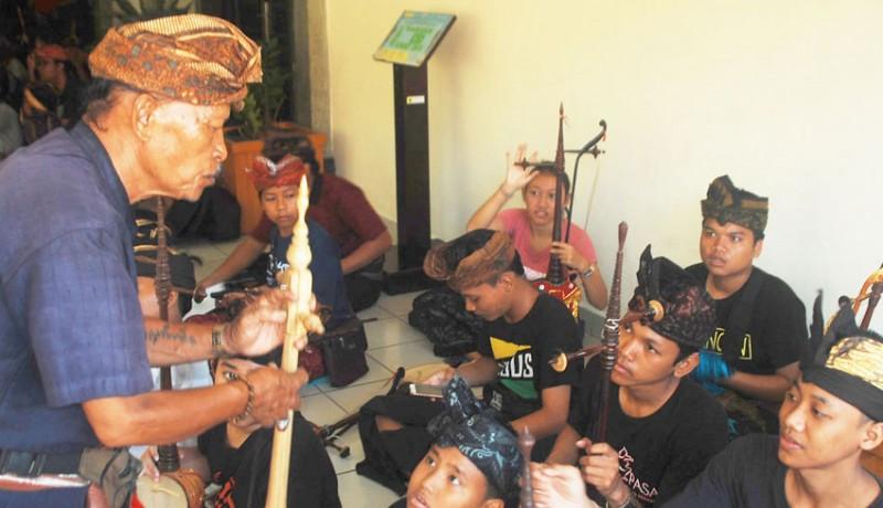 www.nusabali.com-pelatihan-seni-dalam-mengisi-liburan-sekolah