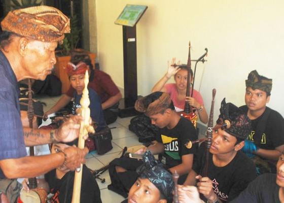 Nusabali.com - pelatihan-seni-dalam-mengisi-liburan-sekolah