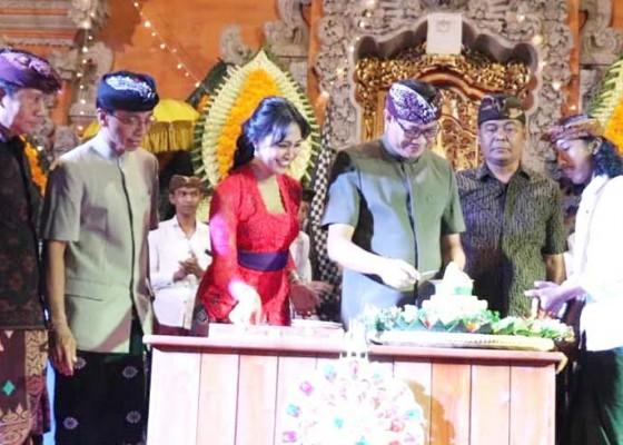 Nusabali.com - wabup-ketut-suiasa-hadiri-puncak-hut-ke-12-st-yowana-mekarsari