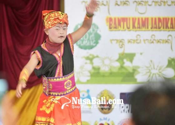 Nusabali.com - tampilkan-pentas-seni-anak-berkebutuhan-khusus