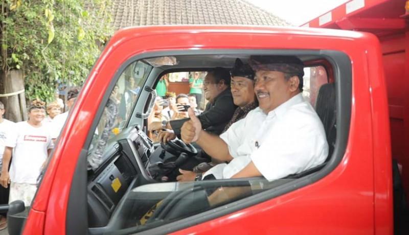 www.nusabali.com-desa-adat-digelontor-truk-sampah