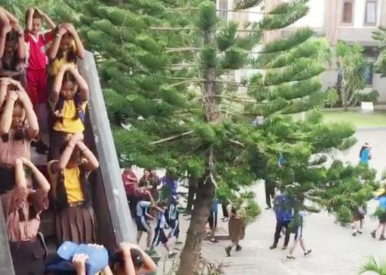 Nusabali.com - bpbd-sasar-sekolah-untuk-pelatihan-kesiapsiagaan-hadapi-bencana-alam