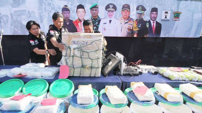 www.nusabali.com-sindikat-narkoba-sokobanah-dibekuk