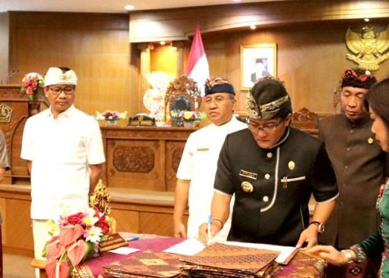 Nusabali.com - rapat-paripurna-dprd-badung-tetapkan-4-ranperda-dan-4-dokumen-penganggarakan-daerah