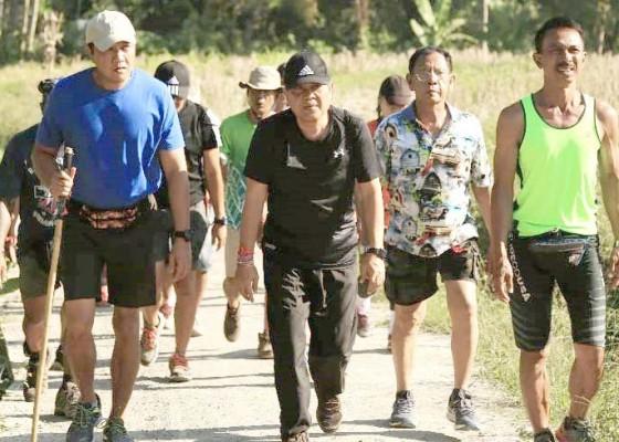 Nusabali.com - rai-mantra-ikuti-hash-sejauh-3-km
