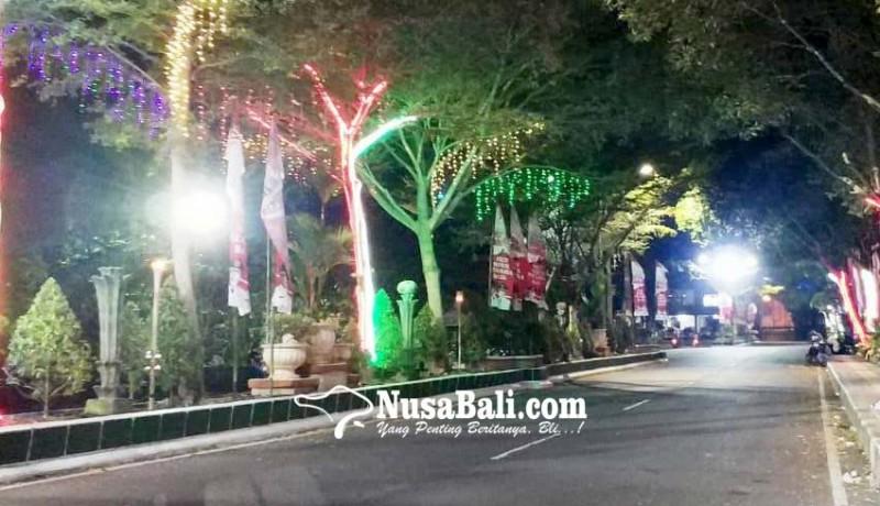 www.nusabali.com-kerlap-kerlip-lampu-hut-kota-negara
