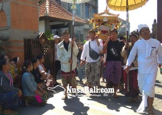 Nusabali.com - krama-pakudui-kangin-pundut-pratima-ke-pn-gianyar