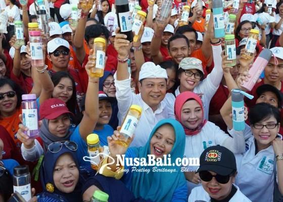 Nusabali.com - gerakan-indonesia-bersih-1-juta-tumbler