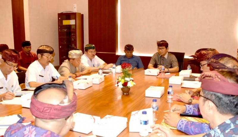 www.nusabali.com-terkait-bkk-sekda-badung-adi-arnawa-adakan-pertemuan-dengan-6-kabupaten