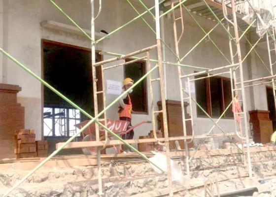 Nusabali.com - pembangunan-dua-sma-negeri-baru-ditarget-rampung-november-2019