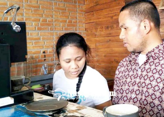 Nusabali.com - penyandang-disabilitas-mahatmiya-kelola-artne-cafe