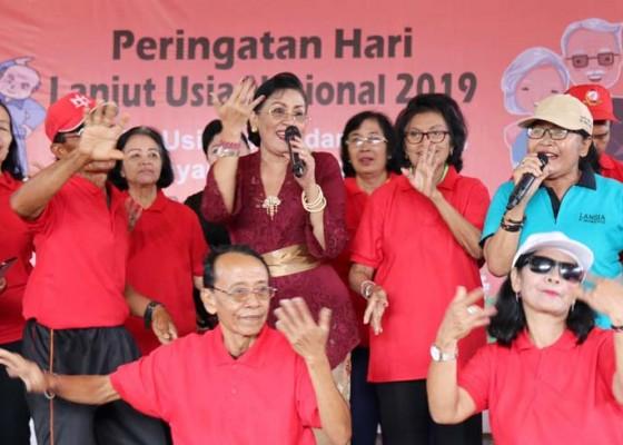 Nusabali.com - lansia-wajib-dapatkan-pelayanan-kesehatan-layak