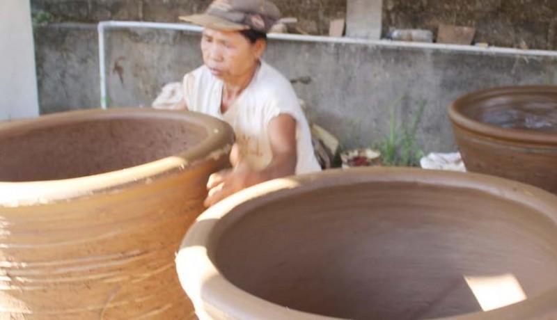 www.nusabali.com-upacara-hindu-bali-selamatkan-kerajinan-gerabah-perangsada