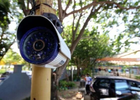 Nusabali.com - gianyar-hanya-punya-5-cctv-pemantau-lalulintas