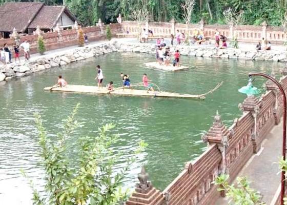Nusabali.com - taman-gili-dukuh-ramai-pengunjung-saat-umanis-kuningan