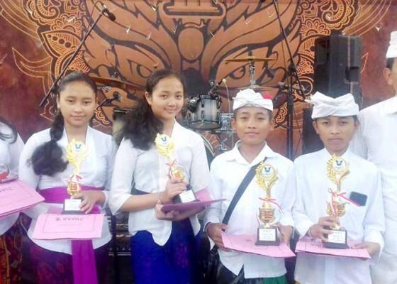 Nusabali.com - smpn-2-semarapura-sabet-tiga-emas-lomba-mapel
