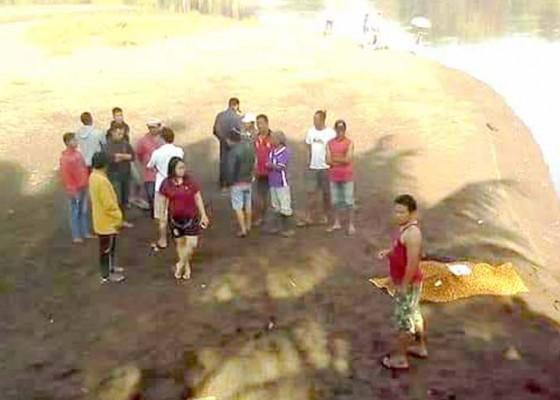 Nusabali.com - pemancing-ditemukan-tewas-tenggelam-di-telaga-tunjung